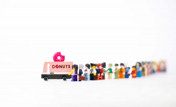 holzauto-kinder-candyvans-donut-truck-candylabtoys-cnd-f702-bild4.jpg