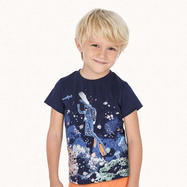 jungen-t-shirt-marine-taucher-leuchtet-mayoral-3069-035-model.jpg
